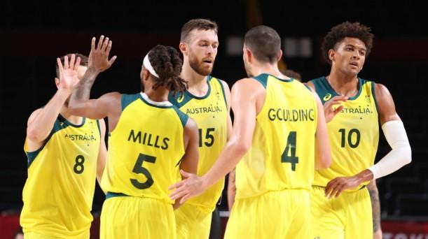 ОИ: Австралија ја декласира Аргентина за полуфинале на кошаркарскиот турнир