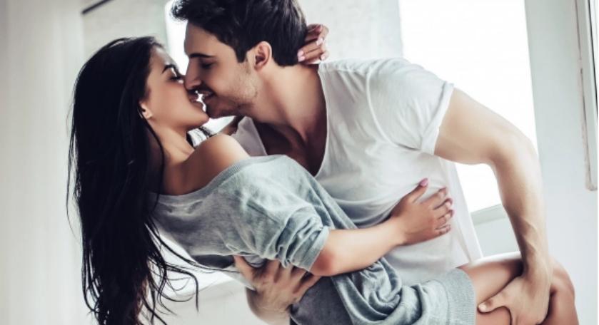 УТРИНСКИ ПОД КЛИМА, МИЛИНА! Водењето љубов може да биде врвно задоволство дури и при високите летни температури