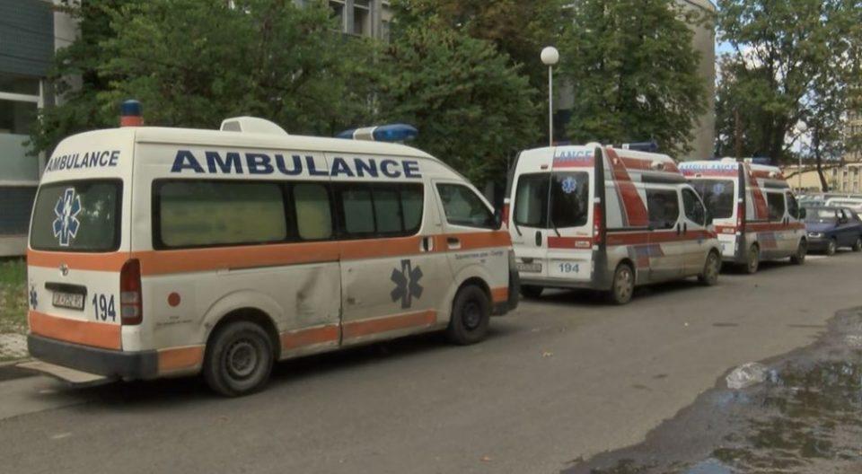 БАНАНА ДРЖАВА: Филипче и скапо платениот кабинет не знаат колку чини амбулантно возило, а народот очекува тие да купат