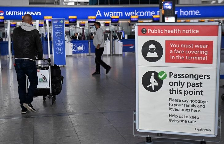 Британија го укина карантинот за вакцинираните повратници од Франција
