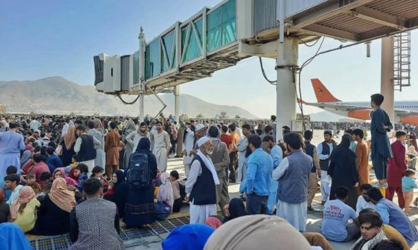 Меѓународниот аеродром во Кабул отворен за летови