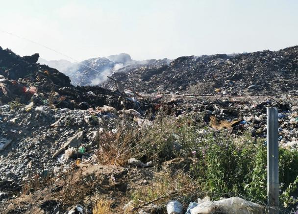 Која е причината за затварање на старата и ненавремено отварање на новата депонија во општина Гевгелија?