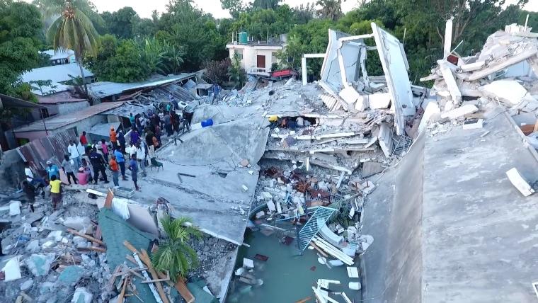 ХАИТИ: 1.941 загинат по разораниот земјотрес