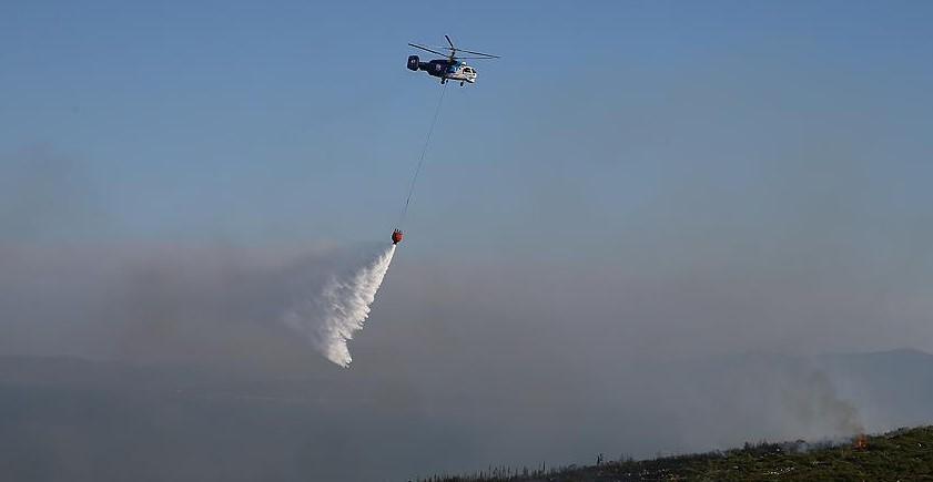ЦУК: Хеликоптерите можат да летаат ноќно време, но не и да гасат пожар