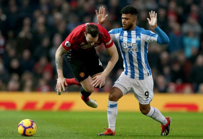 Манчестер Јунајтед го продава искусниот дефанзивец, но никој не го сака