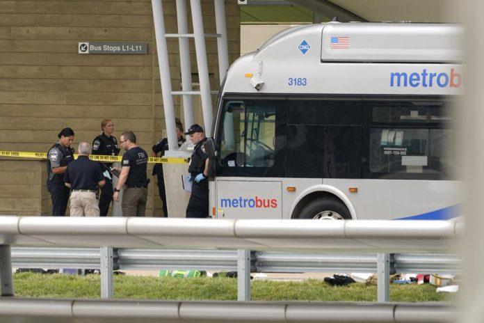 Полицаец убиен со нож кај Пентагон, напаѓачот застрелан