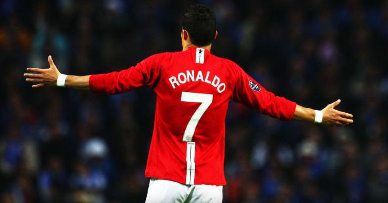 """Роналдо може да ја носи """"седумката"""" само ако Кавани си оди од клубот, меѓутоа…"""