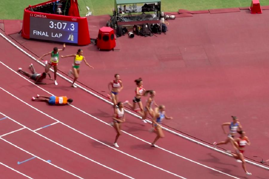 Неверојатен подвиг на Хасан, падна на 300 метри до целта, но стана и победи на трката (Видео)