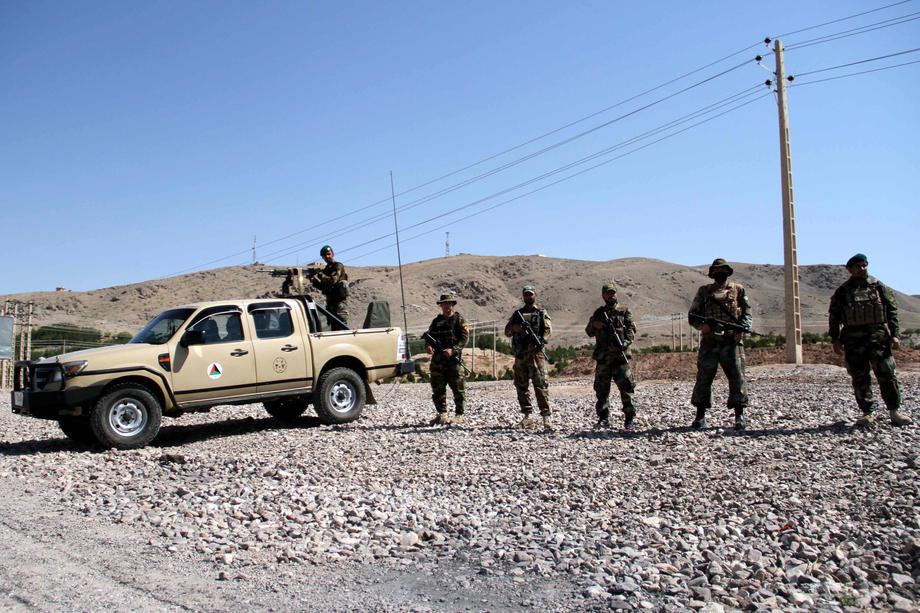Нападнат домот на министерот за одбрана во Кабул, сите напаѓачи ликвидирани