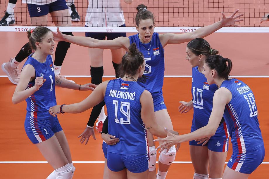 Женското одбојкарско дерби за Србија, европскиот и светски шампион ќе игра во полуфинале