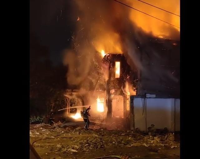 НОВИ ДЕТАЛИ: Пожарот пеплоса куќа во центарот на Скопје