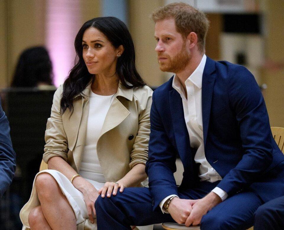 Целиот кафич го забележал истото: Човекот кој седел покрај Меган Маркл и принцот Хари сподели интересен детал
