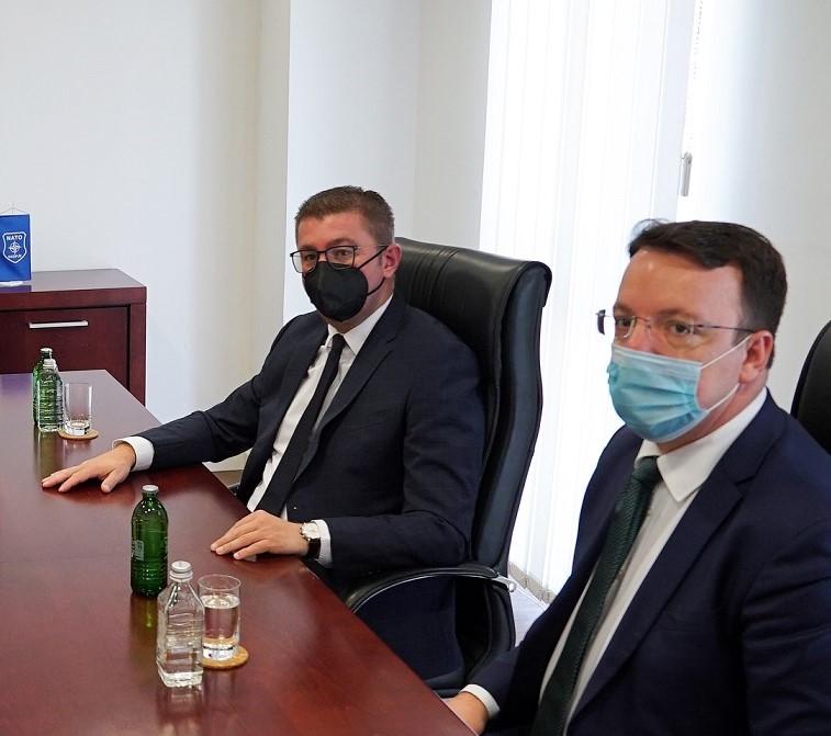 Мицкоски од средбата со Валсман и Браун: ВМРО-ДПМНЕ има голем број кандидати кои поминале низ обуките и семинарите на Конрад Аденауер