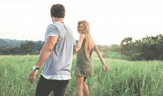 ОВОЈ МАЖ НАВИСТИНА Е ПОСАКУВАН ОД СТРАНА НА ЖЕНИТЕ! Цврстата рака во љубовта повеќе не е силна