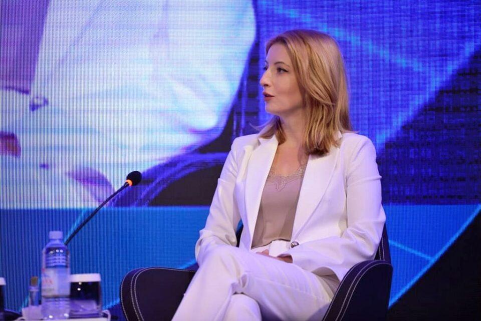 Арсовска: Скопјани ќе добијат брз, квалитетен и безбеден јавен превоз со пристапни цени, не ни требаат 100 милионски решенија кои не се изводливи