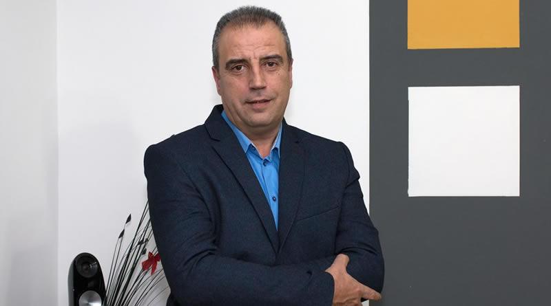 Кандидатот на СДСМ за градоначалник на Кавадарци наместо со својата програма се пофали со програмата на Митко Јанчев