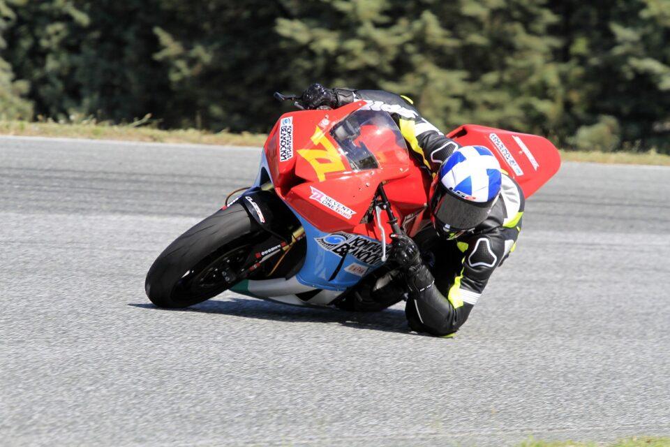 Македонскиот натпреварувач Бузалковски европски шампион за 2021 во брзински мотоциклизам