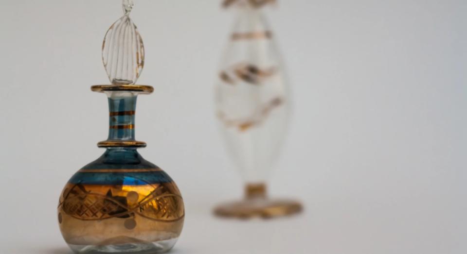 Како да разликувате оригинал од копија парфем?