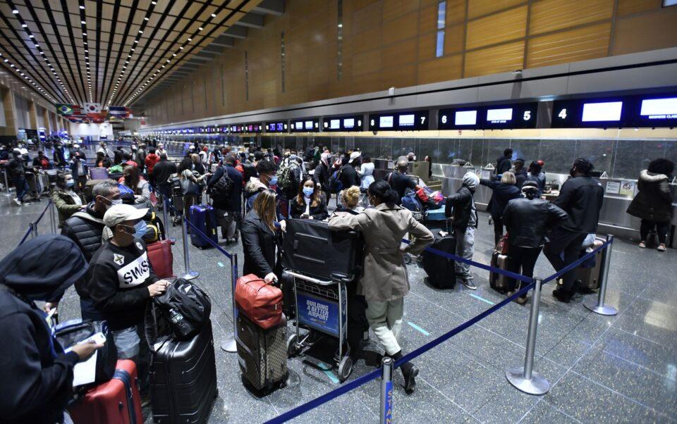 САД во ноември ќе ги укинат ограничувањата за меѓународните патувања