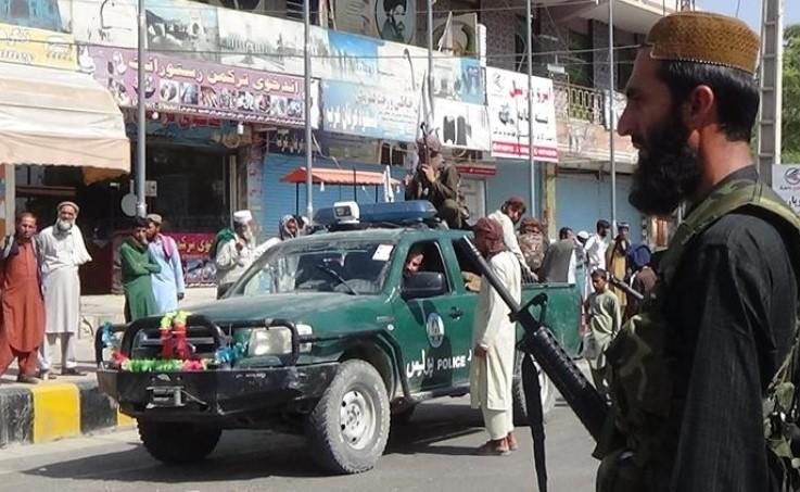 Водачот на отпорот во Авганистан се закани дека ќе ја продолжи борбата против талибанците