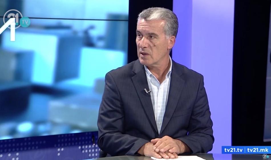Антикорупционерот Бајрами обвинува: Политиката сè уште не ги трга рацете од судството