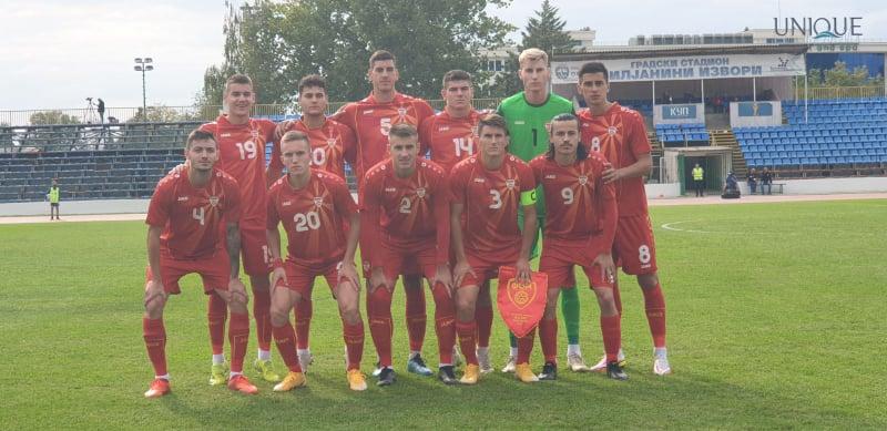 Младата фудбалска репрезентација освои бод во мечот со Србија