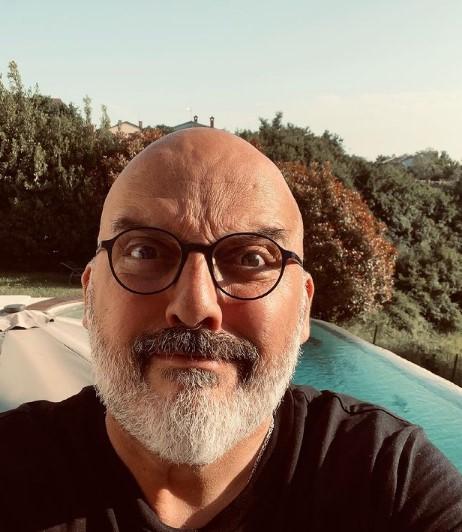 Неодамна стана дедо, а сега се ожени на 52 години: Тони Цетински со емотивни зборови се заколна на вечна љубов кон оваа убавица (ФОТО)