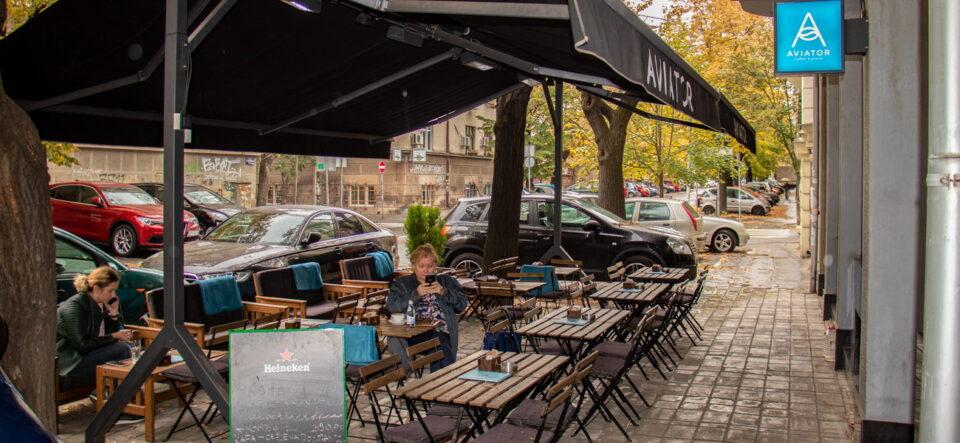 Србија воведува ковид сертификати за влез во кафулиња, ресторани и ноќни клубови