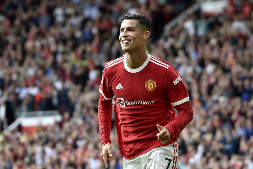 Роналдо повторно заработува повеќе од Меси