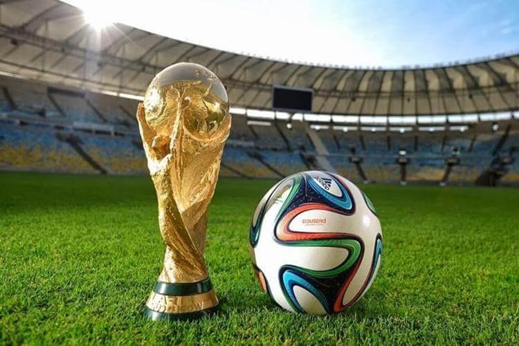 ФИФА тврди: Светско на секои две години, така сакаат навивачите!