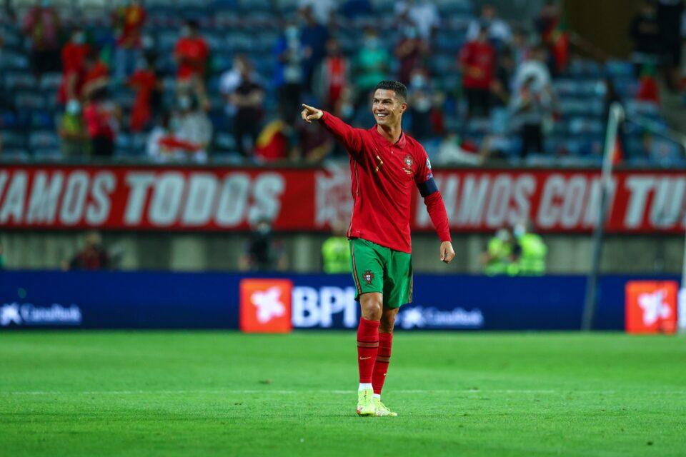 Инфантино му го честита рекордот на Роналдо: Ти си меѓународна икона