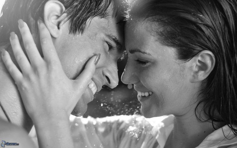 Хороскопски знаци кои ја губат главата кога ќе се вљубат