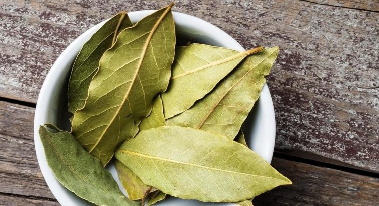 Три моќни состојки: Направете си здрав чај од кој ќе слабеете