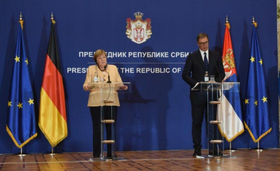 Меркел: Косовското прашање мора да се затвори пред Србија да влезе во ЕУ