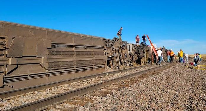 Најмалку три лица загинаа во железничка несреќа во Монтана