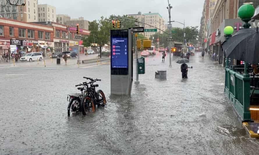 Вонредна состојба во државата Њујорк поради поплавите предизвикани од ураганот Ида