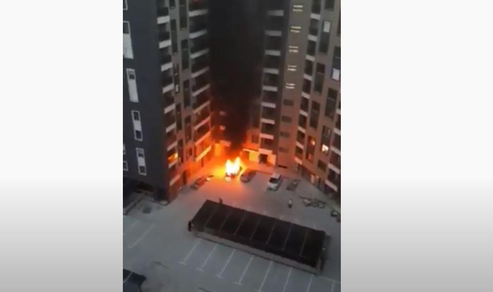 ВИДЕО: Се запали автомобил позади Порта Аеродром