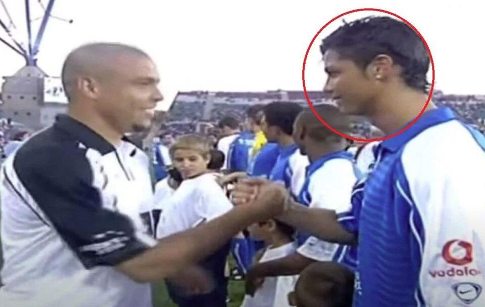 Роналдо и Роналдо само еднаш еден против друг, погледнете го овој фамозен дриблинг