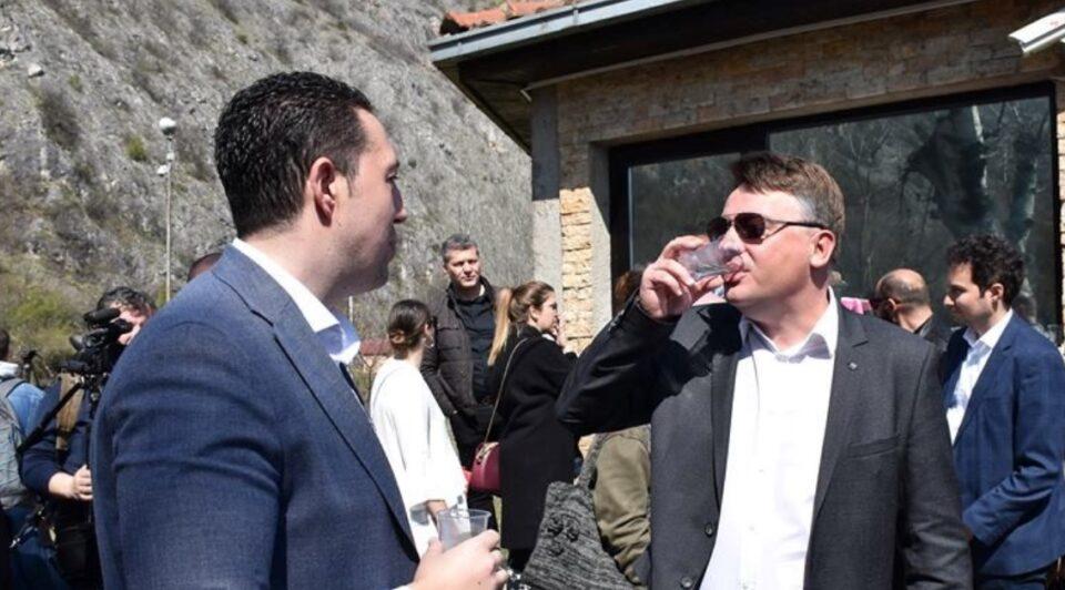 ВМРО-ДПМНЕ: Во паника Шилегов и Весковски уништуваат документација поврзана со местењето на набавката, влегуваат во ново кривично дело за кое ќе одговараат