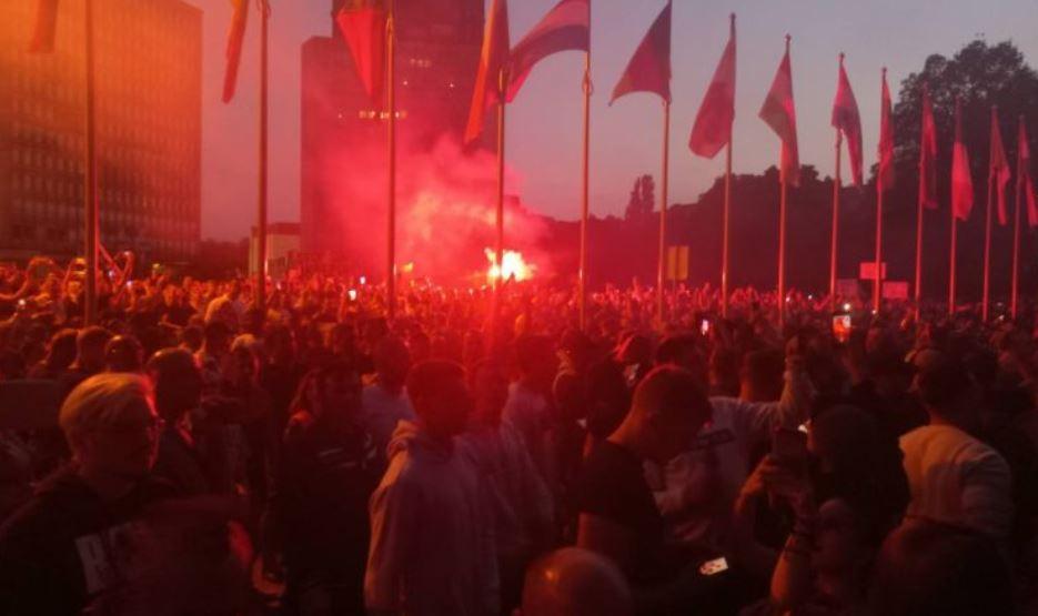 ВИДЕО: Насилни протсети во Љубљана, демонстрантите во судир со полицијата