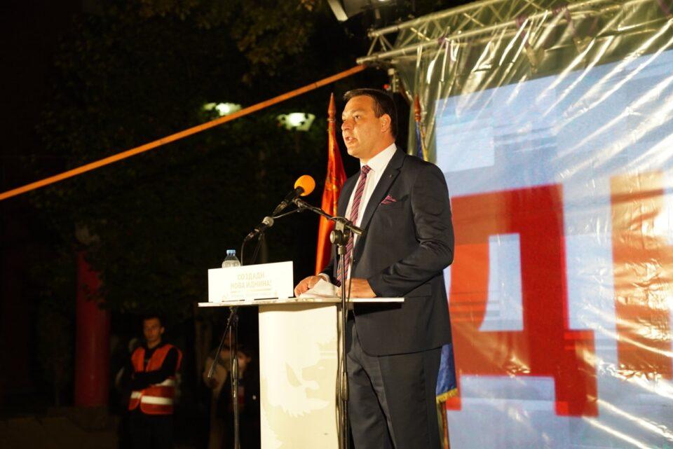 Тозиевски: Јаболкопроизводителите ќе си го добијат заслуженото, а локалната самоуправа ќе биде нивни партнер