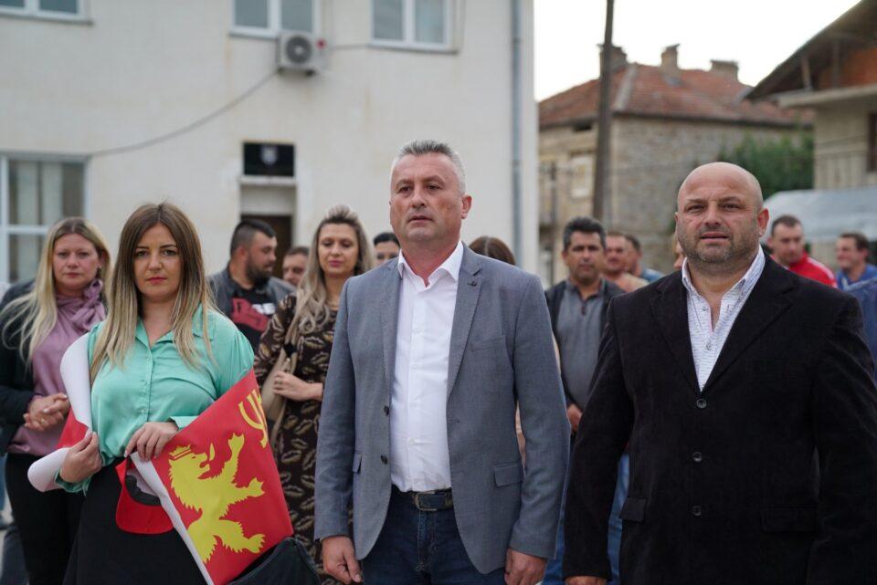 Сајкоски од Дебарца: Гарантираме реконструкција на 2.000 улици, 100 градинки, 150 училишта и подобра животна средина со 150 нови паркови