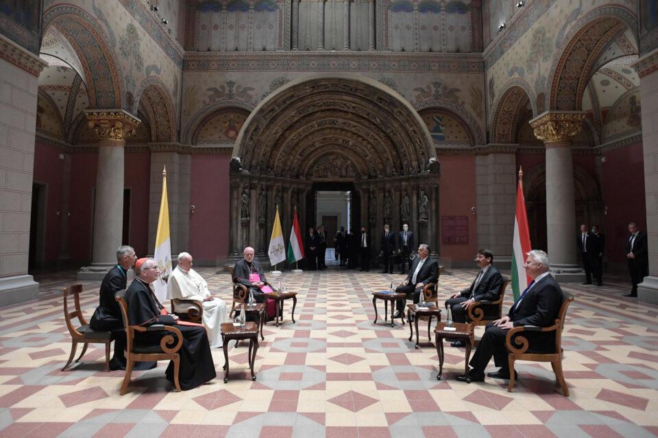 Папата Франциск денеска се сретна со унгаркиот премиер Орбан