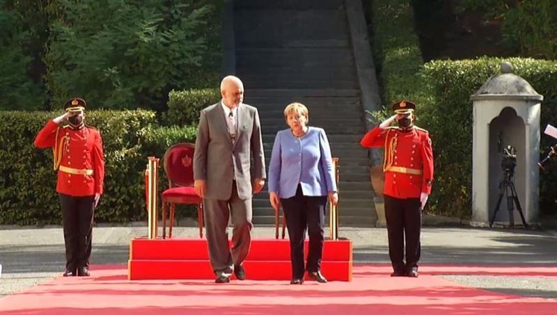 Меркел со порака од Тирана: Македонија и Албанија ги исполнија условите за членство