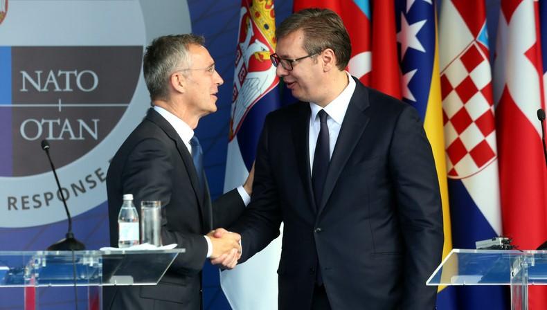 Вучиќ разговараше со Столтенберг за ситуацијата во северниот дел на Косово