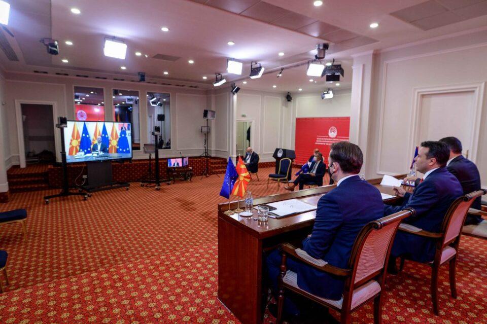 Заев, Димитров и Османи утре на средба со Меркел во Тирана