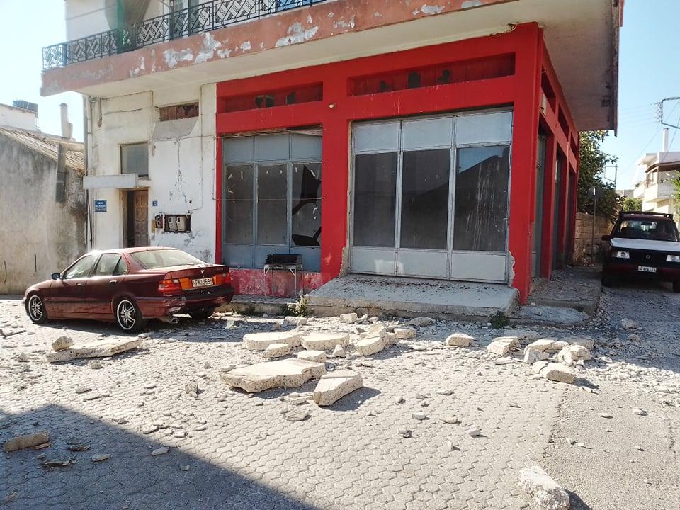 Први фотографии од Крит: Земјотресите предизвикале голема штета, цигли по улиците, оштетени цркви (ФОТО+ВИДЕО)