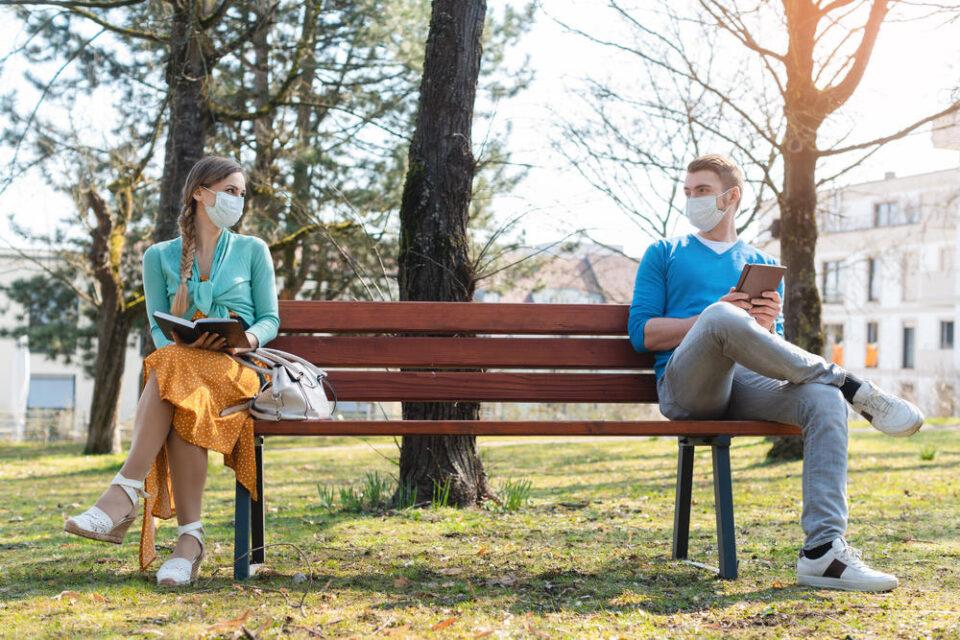 Дали знаете некој што неодамна се заљубил? 5 работи кои ќе ви помогнат да стапите во врска за време на пандемија