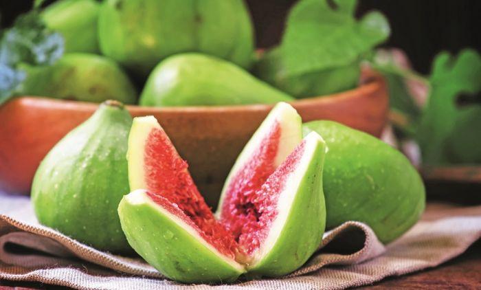ТРИ одлични причини зошто секоја жена после 40 години треба редовно да јаде смокви