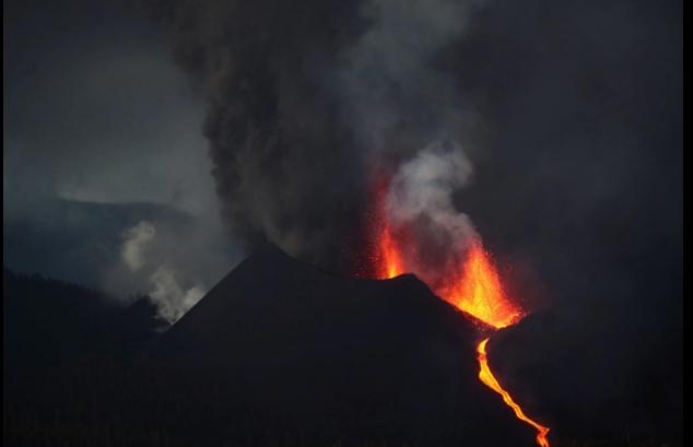 Евакуација на Ла Палма поради лавата од вулканот Кумбре Виеја